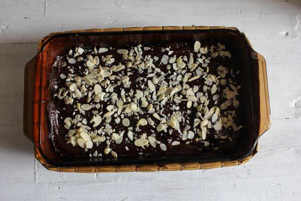 Healthy chocolate almond bars